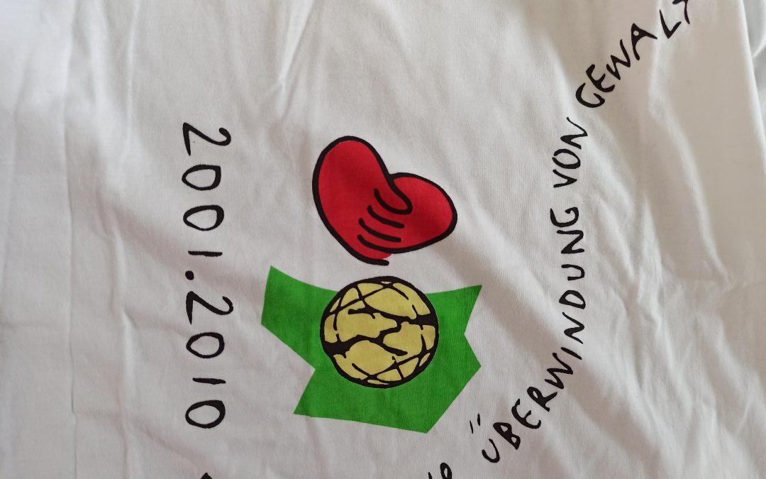 Ausmisten macht Erinnerungen – oder: T-Shirt-Geschichten. Geschichte 1: Das Dekaden-T-Shirt